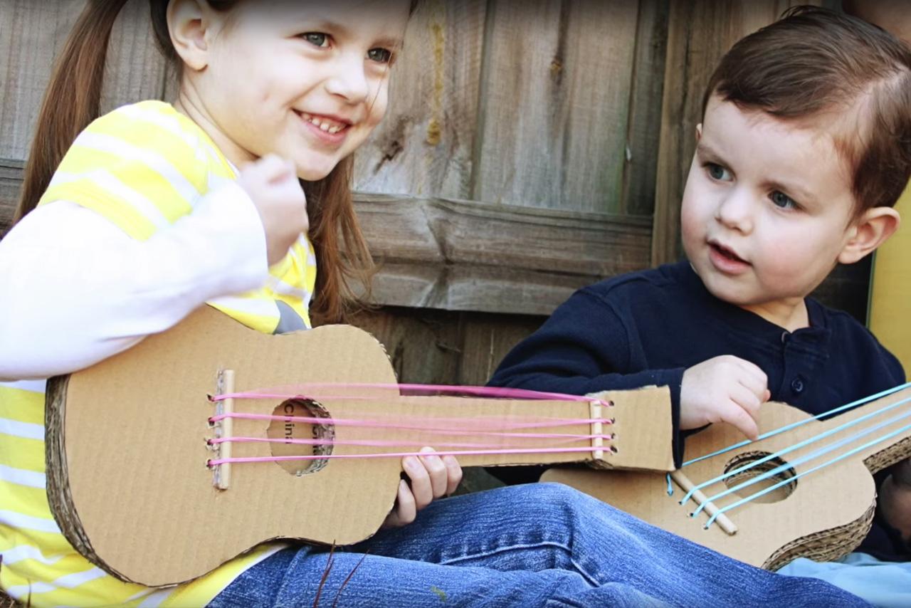 Wacky-World-of-Rubber:-Rubber-band-guitars-sound-fun