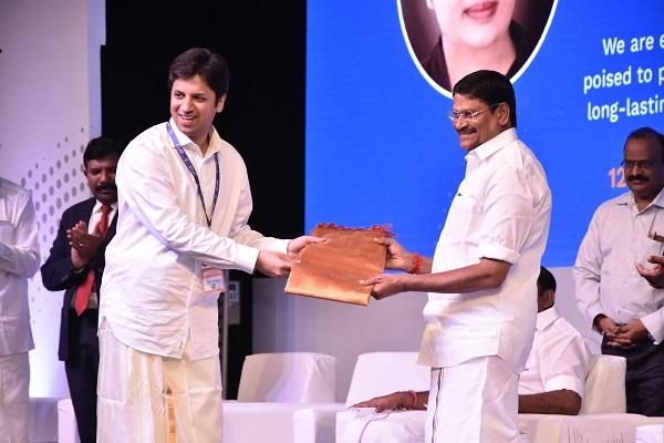 Anant Goenka (L) and Shri Sampath inaugurate the Tamil Nadu plant