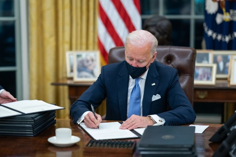 Biden administration proposes to reinstate California authority to set tougher emissions rules