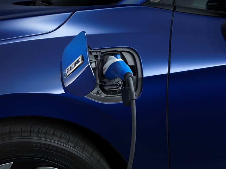 With GM's help, Honda set to go gasoline-free by 2040