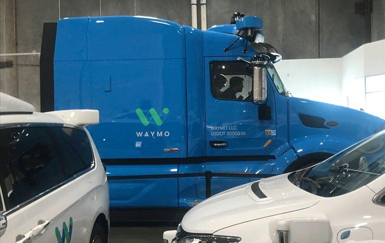 Online Exclusive: Waymo, J.B. Hunt partner on self-driving big rigs