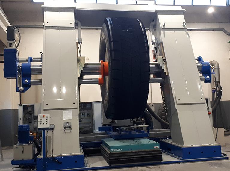New products: TRM, Renova approve new OTR retreading machine